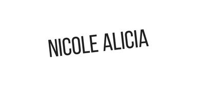 Nicole Alicia sig